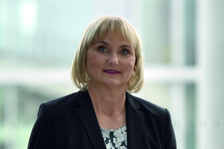 Dr. Bettina Hoffmann